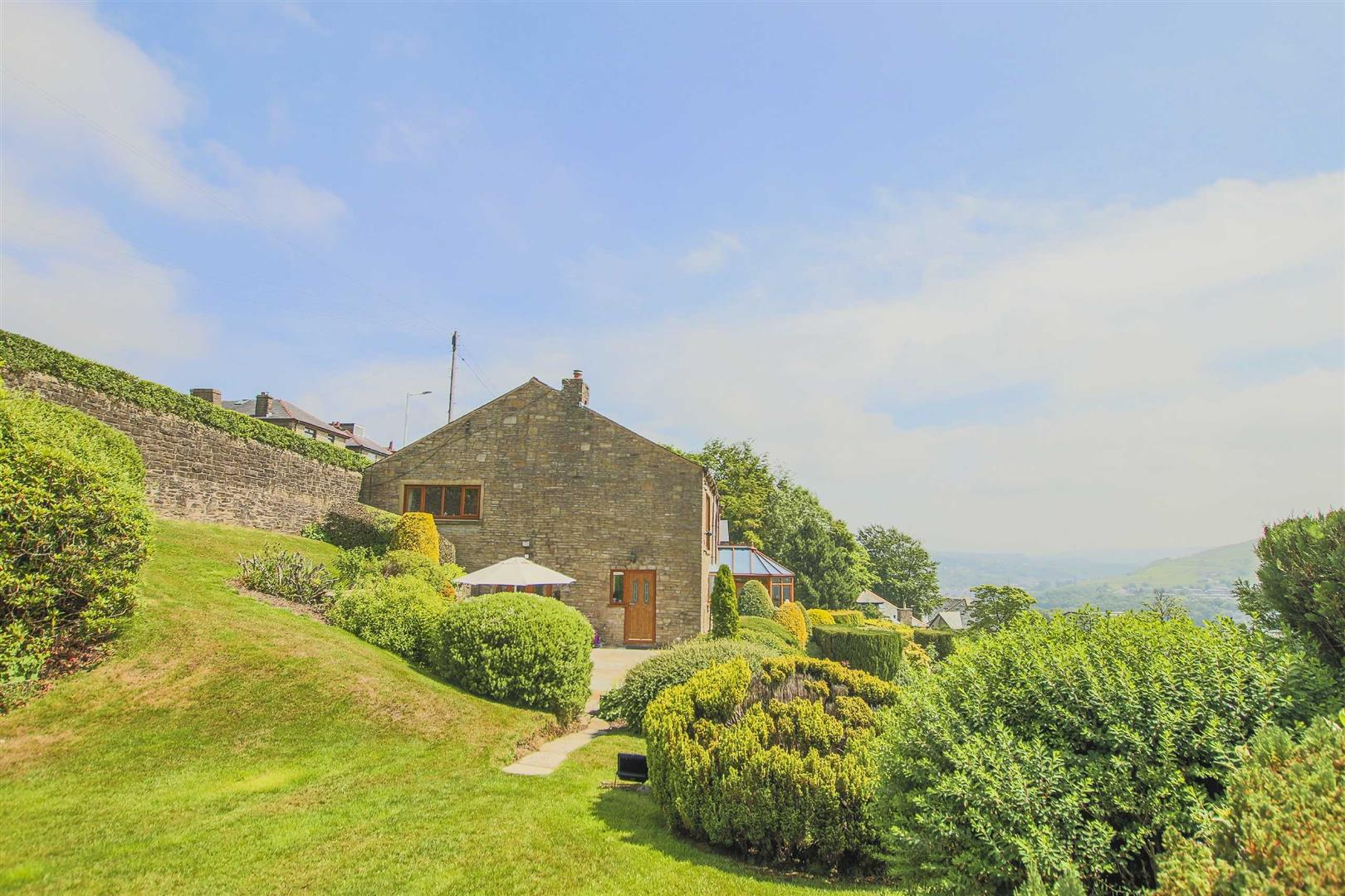 4 Bedroom Barn Conversion For Sale - p033135_52.jpg